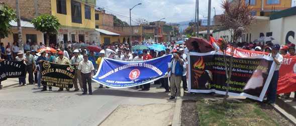 """Debe determinarse si camiones comprados por municipio moyobambino son nuevos"""