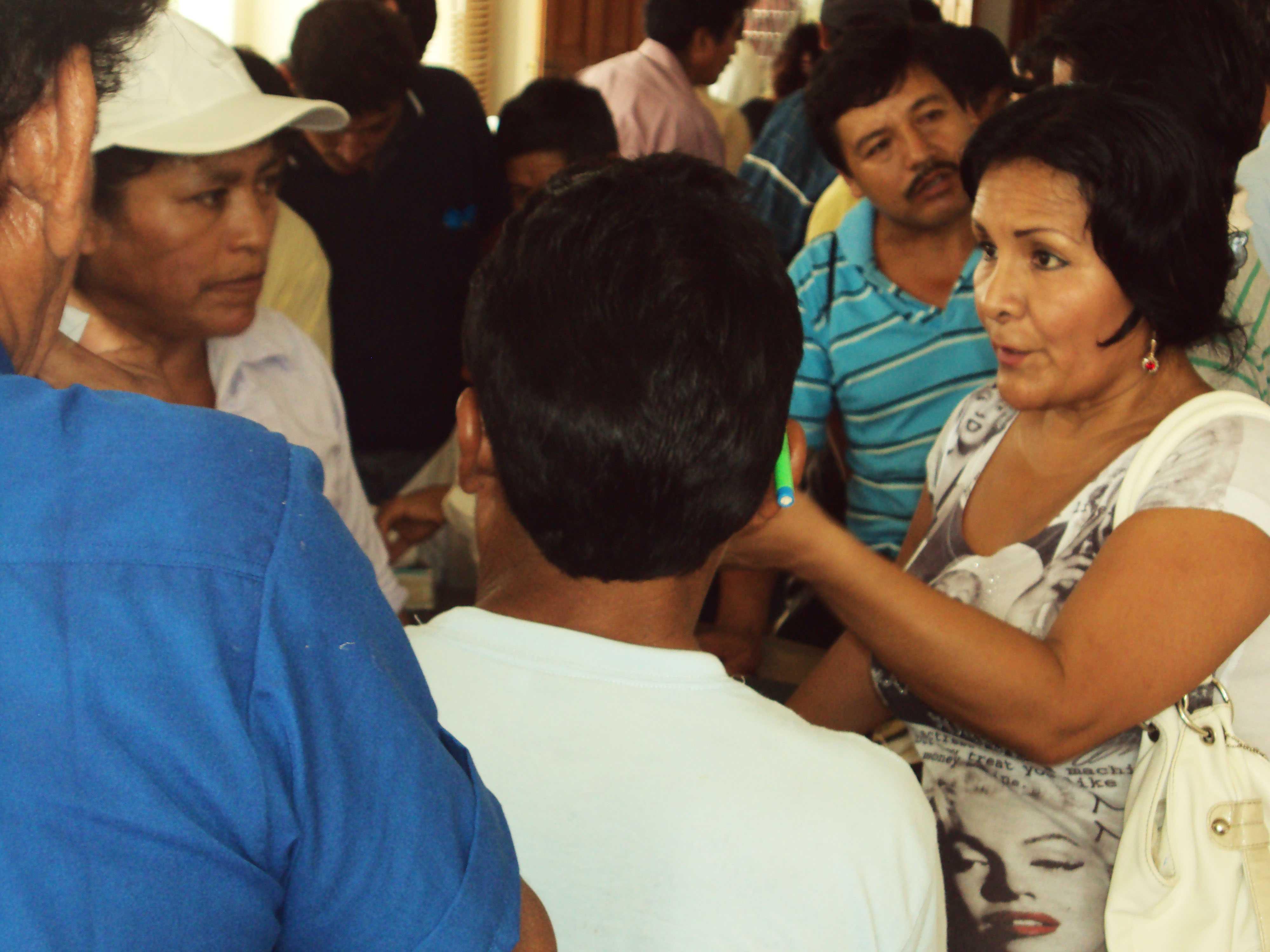 """""""Una sonrisa, un cuaderno"""", campaña en Tocache"""