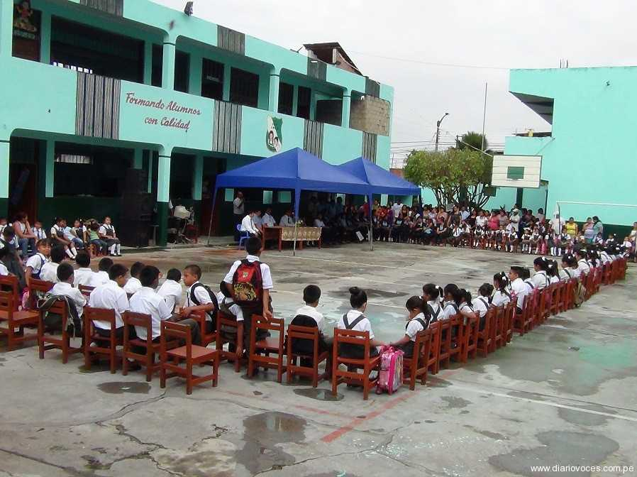 Director del sector Educación en Tarapoto, dio inicio año escolar en Institución Educativa Julio Ruiz