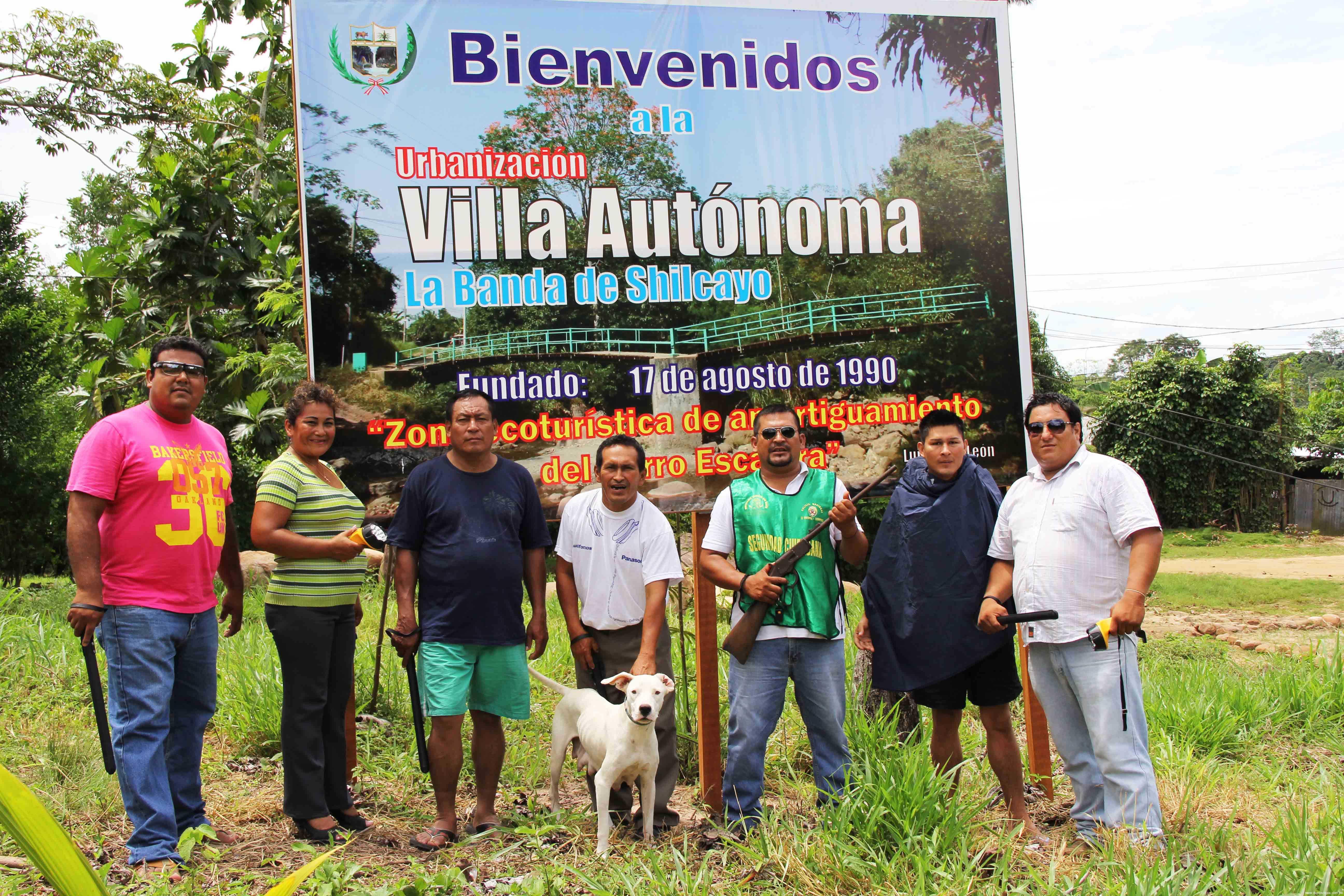 Con linternas y silbatos implementan a Juntas Vecinales de Villa Autónoma