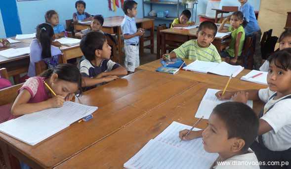 En pleno Moyobamba, una escuela en extrema pobreza