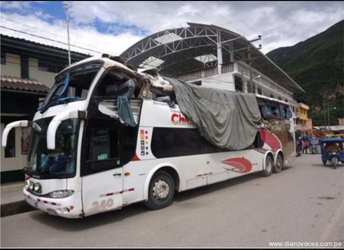 Despiste de ómnibus deja cinco muertos  y 18 heridos