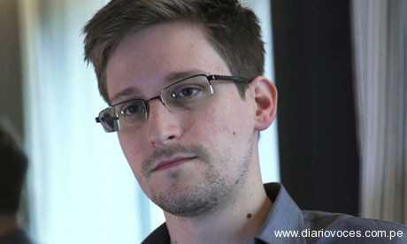 Edward Snowden solicita oficialmente asilo provisional a Rusia