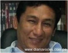 Atacan a  huevazos y tomatazos a abogado Chanjan Ghio