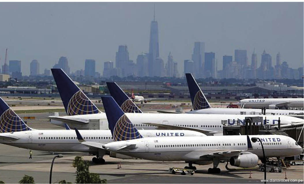 Grandes aerolíneas suspenden sus vuelos hacia Israel