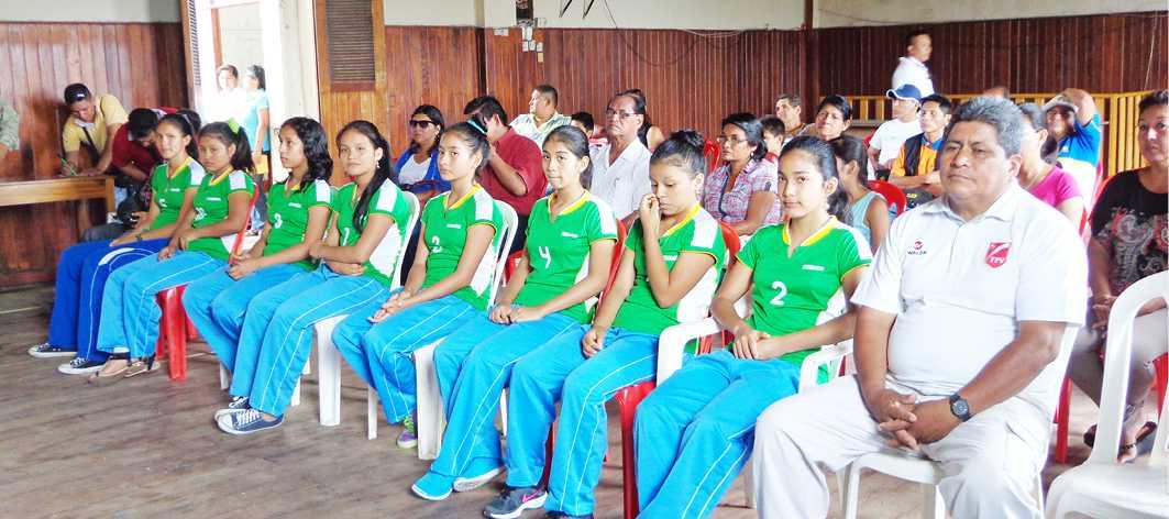 Municipalidad de Alto Amazonas reconoció y agasajó a equipo de vóley sub 12