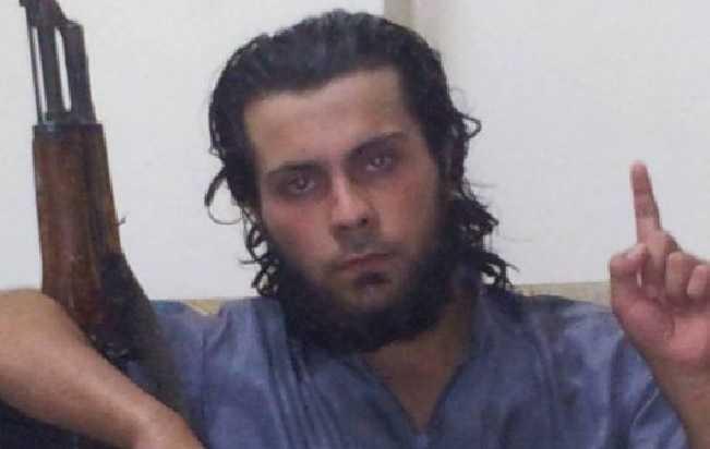 Yihadista ejecuta en una plaza la condena por apostasía a su madre
