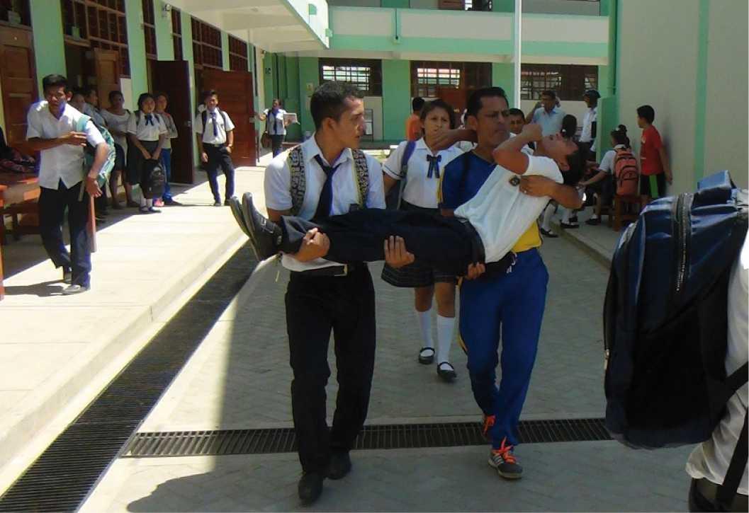 Desmayos súbitos continúan en  el Colegio Elsa Perea Flores