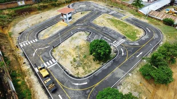 Circuito Vial : Construyen circuitos viales para obtener licencias de