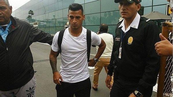 Miguel Trauco contó que Paolo está muy triste por sanción