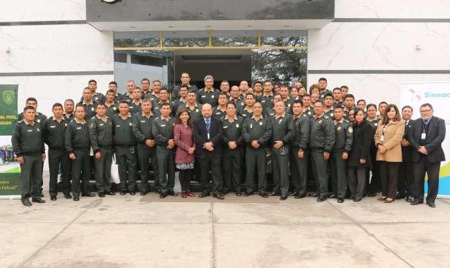 Escuelas de la Policía Nacional se preparan para obtener la acreditación del SINEACE