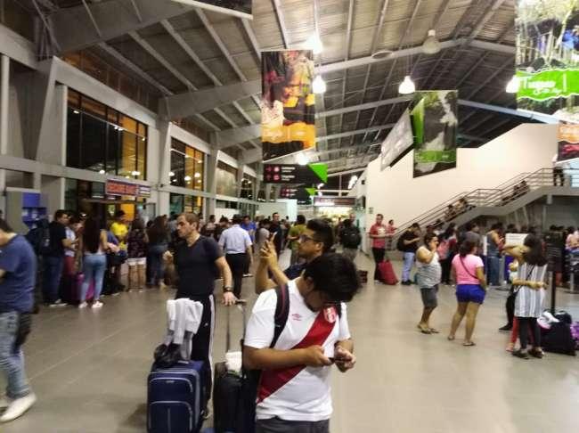 Emergencia en el aeropuerto de Lima afecta varios vuelos comerciales en Tarapoto