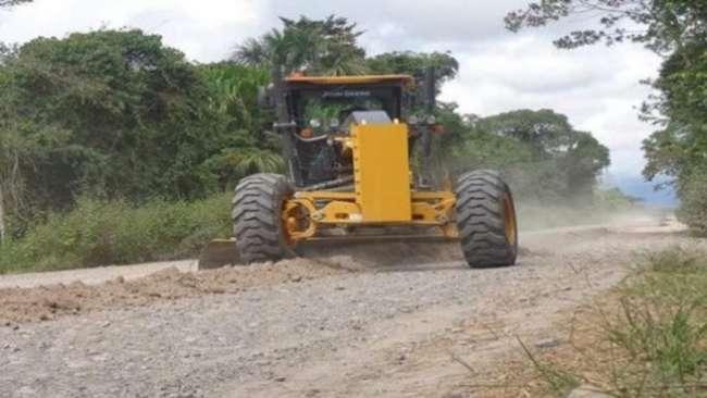 Ejecutan asfaltado de cruce  Calzada – Soritor – Selva Alegre