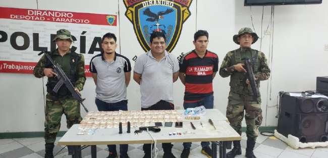 Intervienen a tres pasajeros con  armas, municiones y más de tres mil soles en efectivo