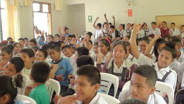 Capacitan a escolares y maestros sobre prevención y acoso virtual