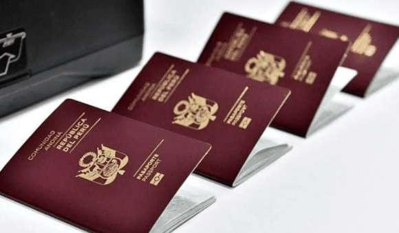 Cancillería pide a excongresistas que devuelvan su pasaporte diplomático