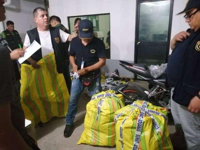 Incautan zapatillas de  contrabando en Tarapoto