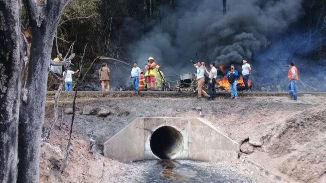 Camión cisterna se despista en la  carretera Fernando Belaúnde Terry