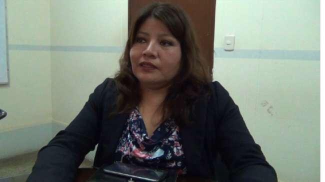 Hermana de primer regidor es acusada de ocupar puesto de venta de manera irregular