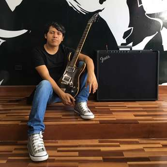 Guitarrista tarapotino concursa en Emergent Evolution Guitar Contest 2020