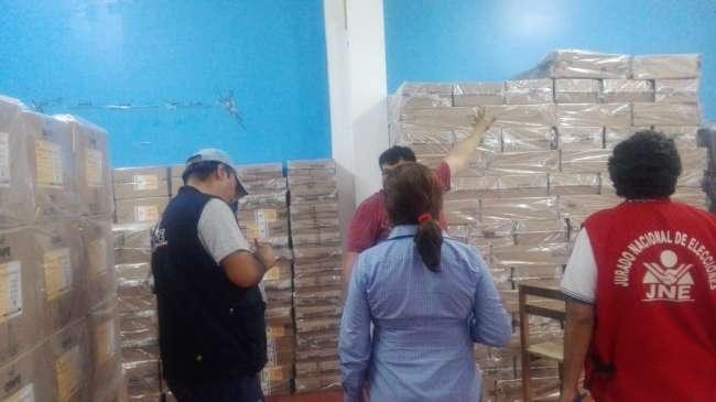 ODPE desplaza material electoral a locales de votación en la reigón San Martín