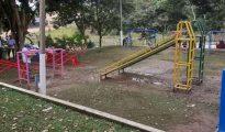 Realizan mejoramiento de juegos infantiles en la Punta de Doñe