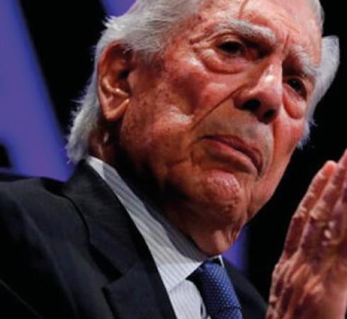Mario Vargas Llosa apoya decisión de TC al declarar legal corrida de toros
