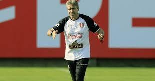 """Nestor Bonillo: """"Los jugadores no pueden concentrar cuatro meses"""""""