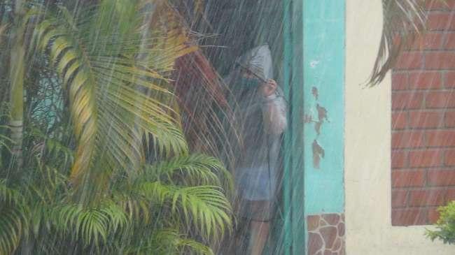 Fuerte temporal de lluvia sorprendió ayer por la tarde en varias zonas de la región