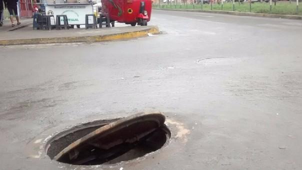 Buzones sin tapa son trampas mortales en varias ciudades del Perú
