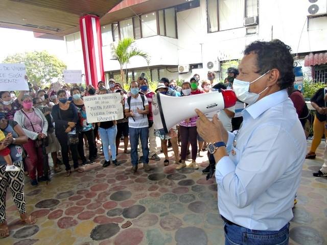 En Iquitos: Cuerpo Médico del Hospital Regional rechaza presencia del Gobernador.