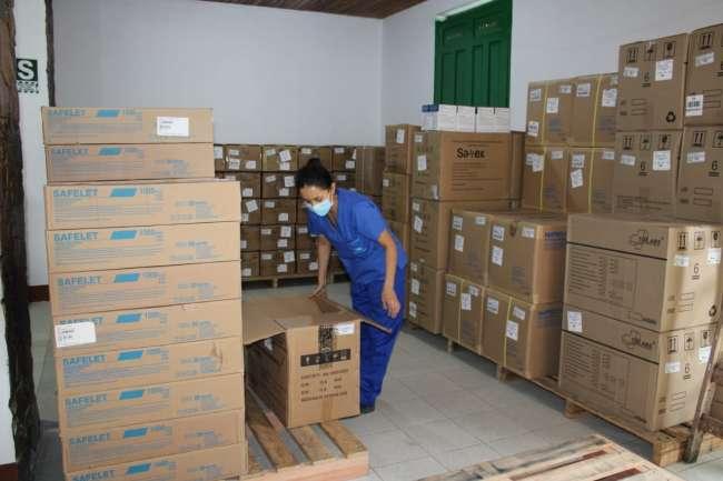 EsSalud Moyobamba recibe material médico y equipos de protección para sus trabajadores