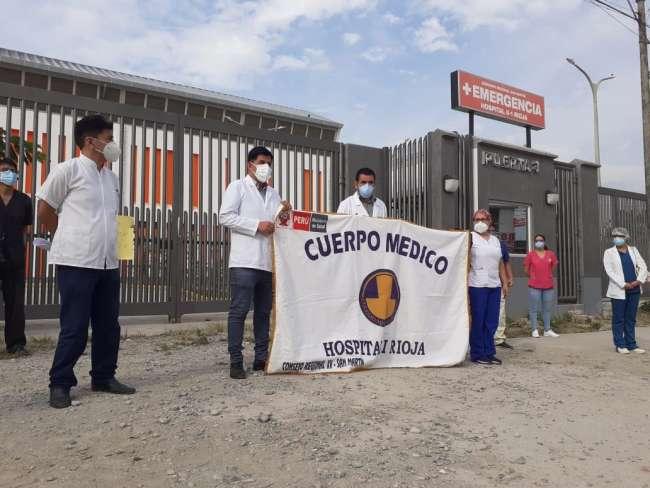 Médicos de Rioja protestan exigiendo entrega de nuevo Hospital MINSA