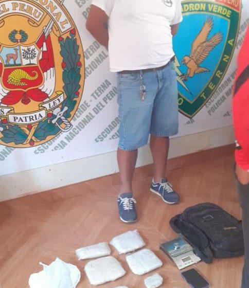 Cerca del centro de Tarapoto interviene a dos sujetos con tres kilos de droga