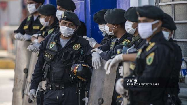 Detienen al director de la Aviación Policial por presuntas irregularidades en compras de mascarillas