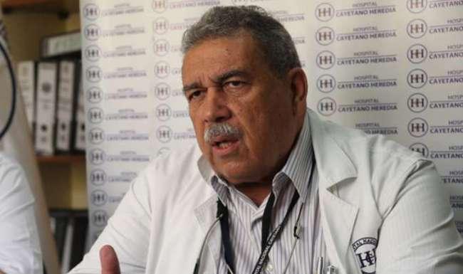 """Dr. Gotuzzo: """"Si un club tiene un brote de coronavirus no puede jugar por una semana"""""""
