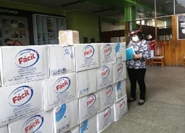 Almacenamiento inadecuado de Kits COVID en Universidad Nacional de San Martín