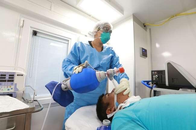 """Lamentablemente hemos visto morir a pacientes por falta de respirador mecánico"" La dramática situación de la pandemia en Moyobamba, descrito por un médico especialista"""