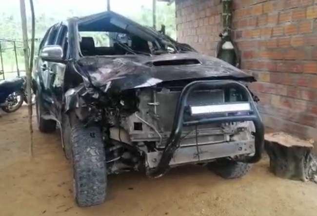 Camioneta del Municipio de Pinto Recodo sufre accidente en extrañas circunstancias