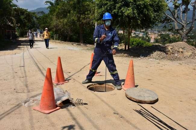 """La EPS-OTASS  realizo el cambio de tuberías de las instalaciones realizadas por """"El Consorcio Moyobamba"""""""