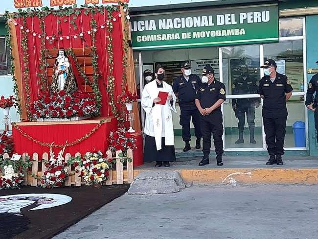 Policía Nacional rindió homenaje a Santa Rosa de Lima
