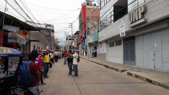 Docentes protestan frente a la ONP exigiendo devolución de sus aportaciones