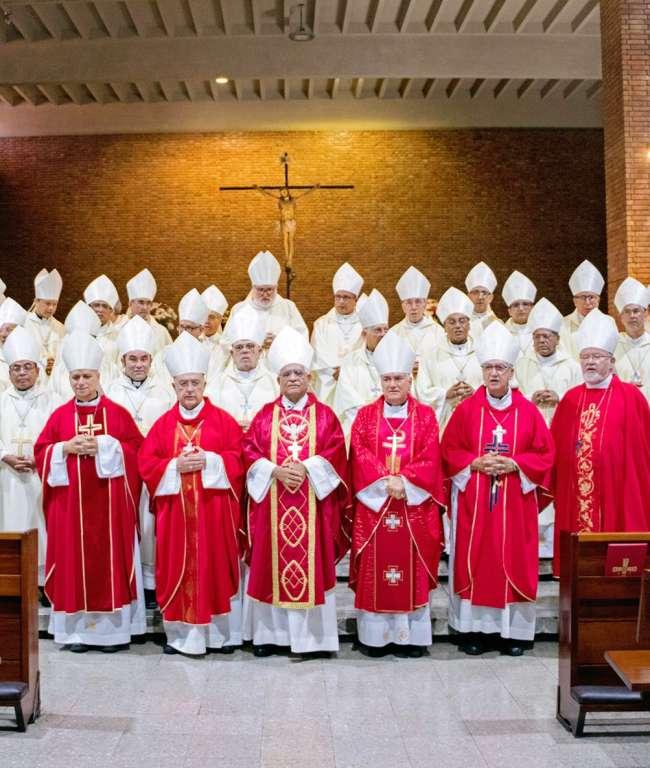 """Obispos del Perú se pronuncian ante la actual situación política  """"No es el momento de  generar caos y división"""""""