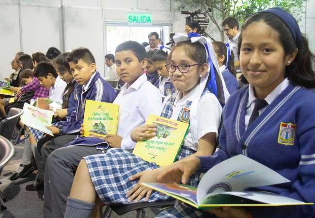 Escolares y profesores de 16 regiones presentaron obras al Concurso de Cuentos del Ositrán