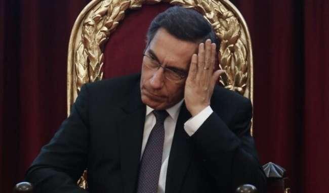 Presidente Vizcarra pide disculpas a la nación por crisis política.