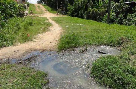 Colapso de buzón de desagüe afecta a vecinos de la cuadra cinco del jirón Ayacucho del distrito de Morales