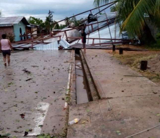 Temporal de lluvia afecta varias viviendas y servicio de energía eléctrica en el distrito de Papaplaya