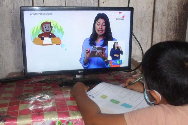 Reparan estaciones de tv y radio nacional para facilitar educación remota a estudiantes en Caseríos