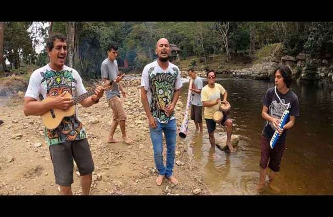 "Banda La Merfi estrena videoclip   ""El Buen Toque"""