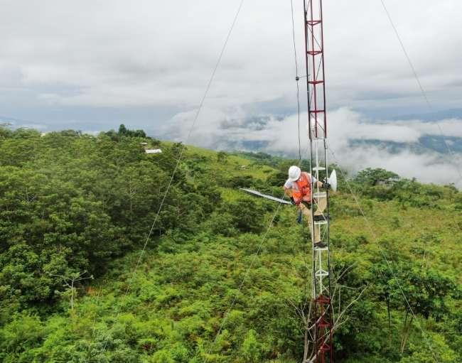 ALIANZA CR3CE y YACHAY Telecomunicaciones lanzan programa piloto de internet para hogares en distrito de Curimaná, Ucayali
